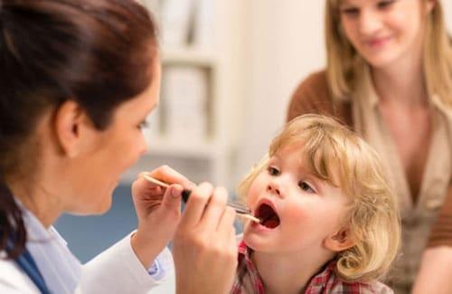 грибок в горле у ребенка лечение