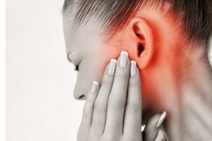 как избавиться от воздушной пробки в ухе