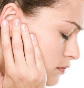 болит ухо после бассейна что делать