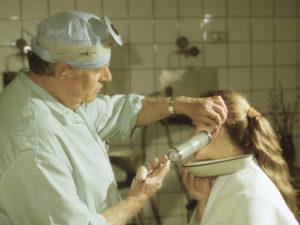 -промывание ушей при отите