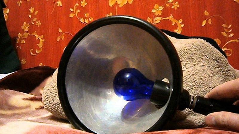 Как греть ухо синей лампой при отите