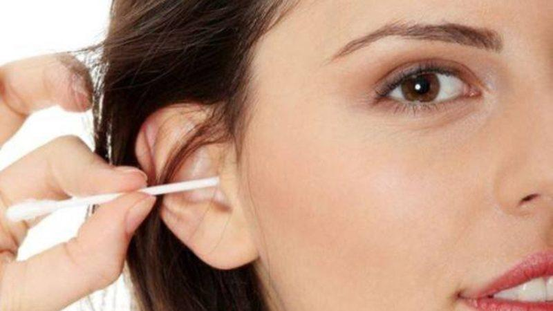 как правильно чистить ухо человека