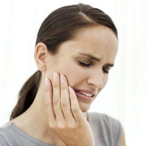 Почему болит челюсть возле уха и как это вылечить?
