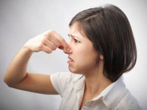 В носу запах ацетона что это