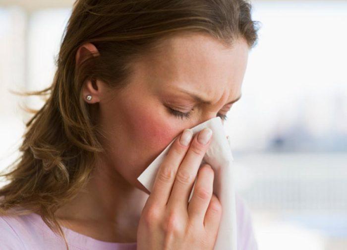 чем лечить и как сильный насморк и заложенность носа