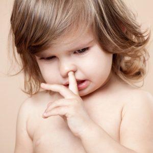 что делать при насморке если кровь из носа