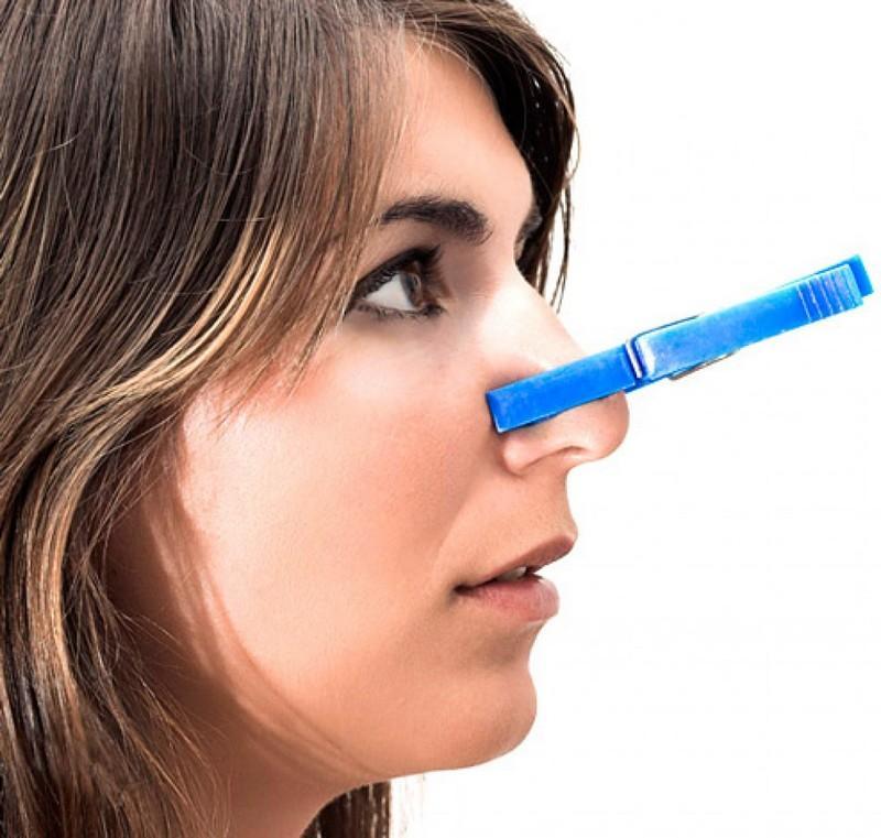 почему возникает запах изо рта
