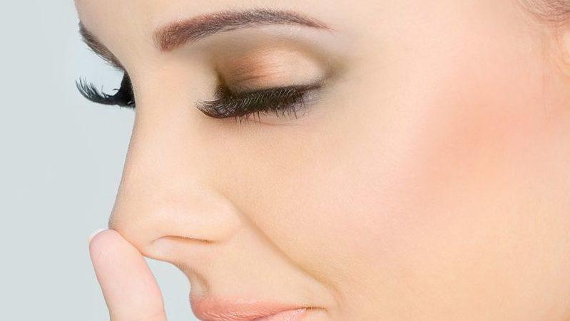 как сделать меньше нос в домашних условиях