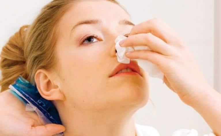 первая помощь при травме носа