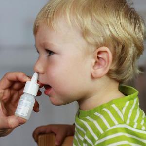 -причины и лечение зеленых соплей у ребенка