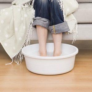 парить ноги с горчицей при насморке ребенку