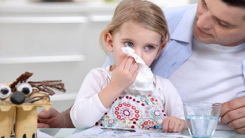 чем и как лечить начинающийся насморк у ребенка