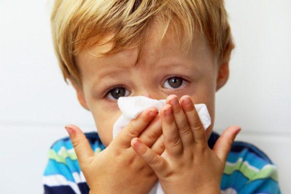 чем лечить если ребенок шмыгает носом а соплей нет