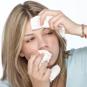 болит лоб при насморке