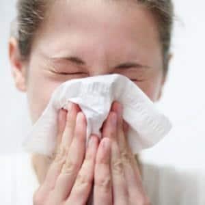 почему пахнет из носа гноем