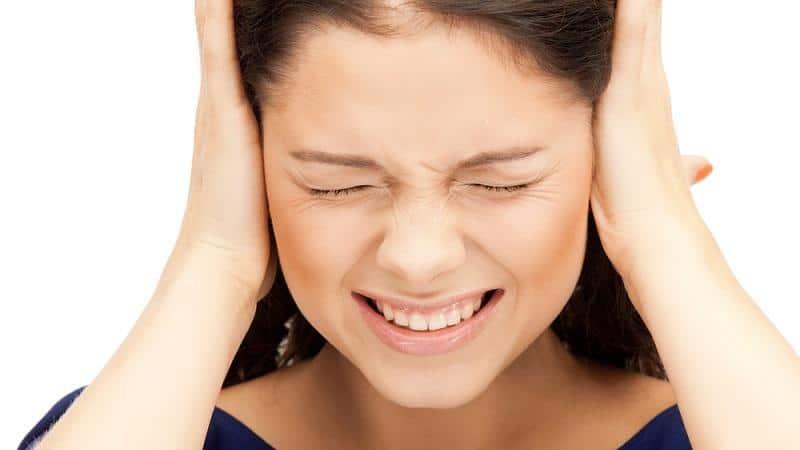 причины заложенности уха при простуде