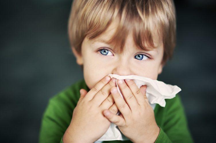 Что делать, если у ребенка постоянный насморк