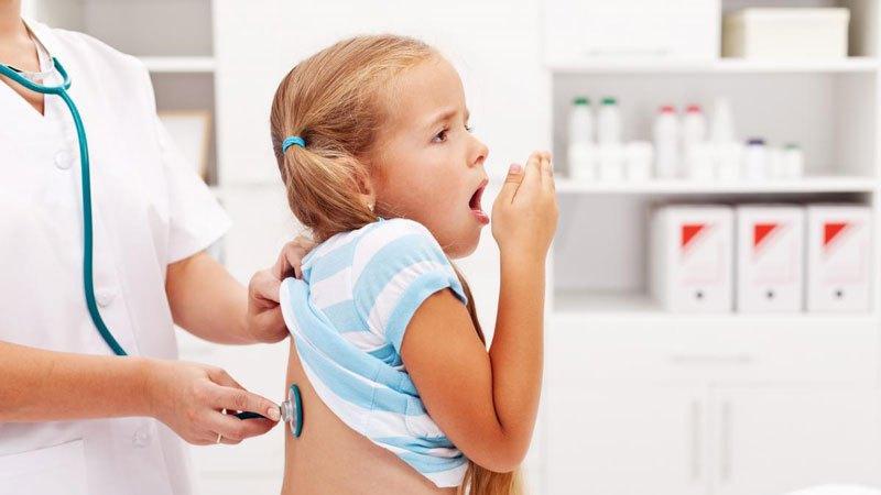 Чем и как лечить кашель у детей