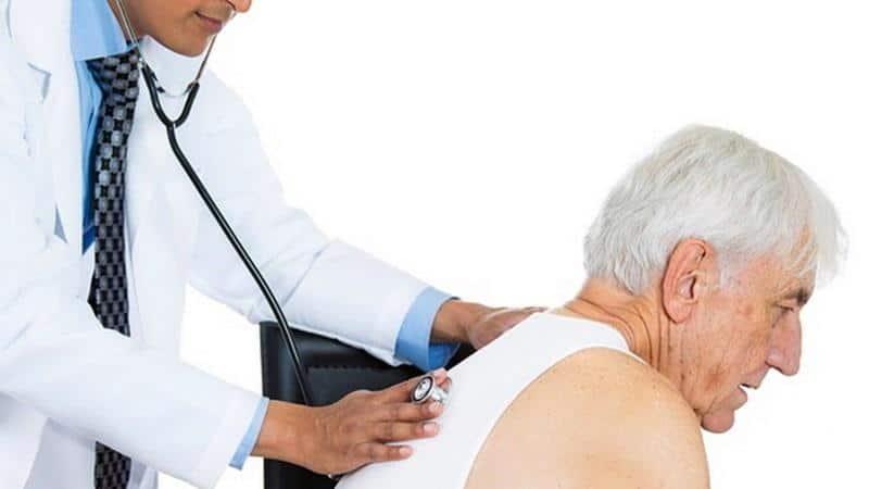 Как лечить кашель у пожилых людей