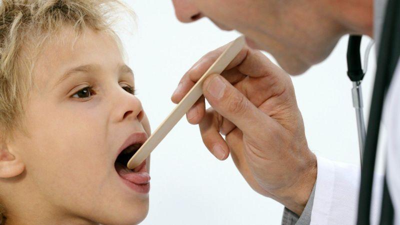 Как полоскать горло Октенисептом