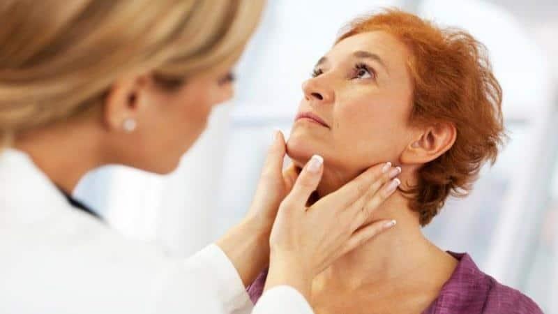 Как снять отек горла