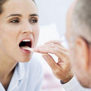 Как полоскать горло Йодинолом при ангине