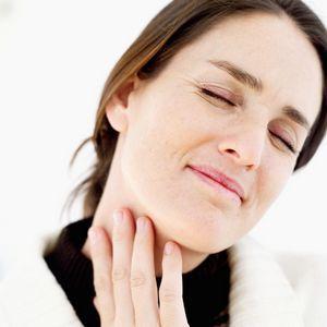 Что делать, если болит горло пропал голос