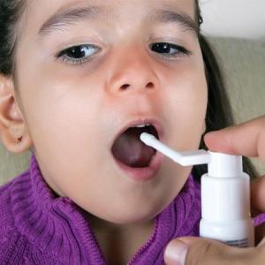 Как применять «Мирамистин» при тонзиллите